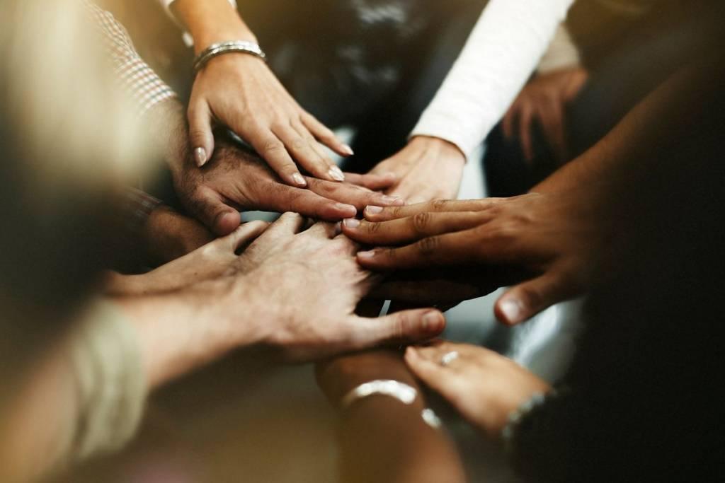 Ayudando a otros
